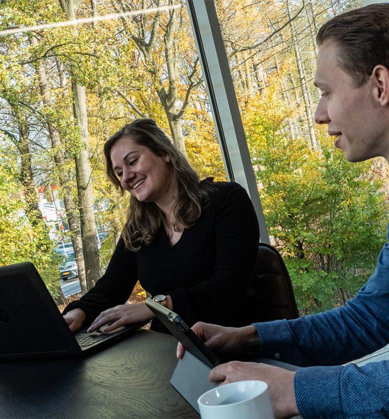 Werken bij Globen in Apeldoorn op kantoor